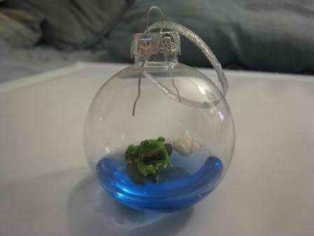 Unique Ornaments frog on lily pad ornament - eb ornaments