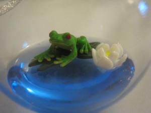 frog-lily-pad-ornament
